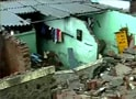 Video : Thane: 8 killed as wall collapses on adjoining shanties