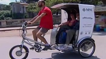 Video : Rickshaw rehabilitation: Prisoners ferry tourists in Rome