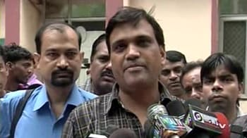 Video : Delhi: 1200 Safdarjung doctors go on strike