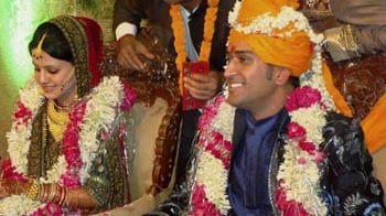 Video : Meet Mr and Mrs Dhoni