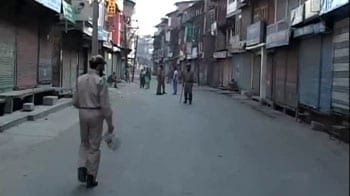 Video : Kashmir Valley calm, but curfew in place