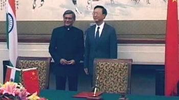 Video : Visa row: India summons Chinese envoy