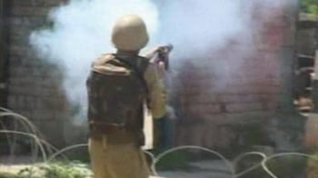 Video : Kashmir: One killed, 2 injured in fresh protests