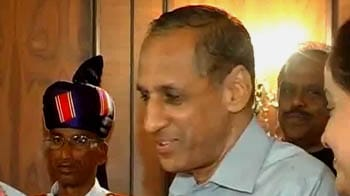 Video : Telangana leaders upset with Governor
