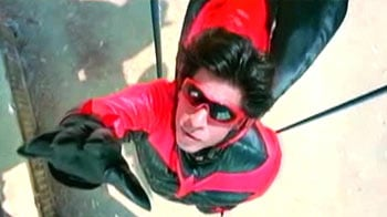 Video : SRK makes superhero headlines
