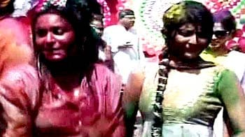 Video : टीवी कलाकारों ने मनाई जमकर होली