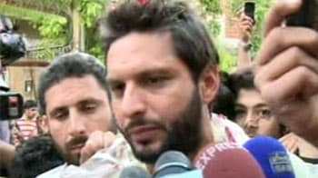 Video : A hero's welcome for Afridi
