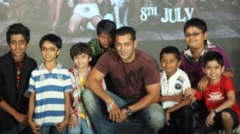 No taxing times for Salman's Chillar Party