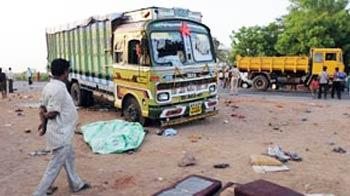 Video : Truck runs over pilgrims in Gujarat, 18 dead