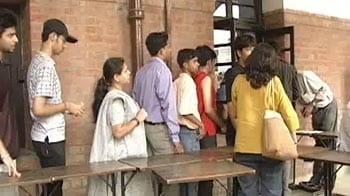 Video : DU first cut-off list out; 100% at SRCC