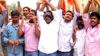 Video : Telangana bandh disrupts Andhra, pressure mounts on Centre