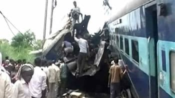 Video : Kalka Mail mishap: 69 dead, rescue operations over