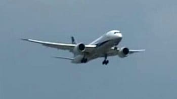 Video : Boeing 787 Dreamliner lands at IGI airport