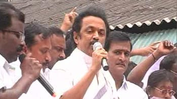 Video : Stalin arrested for leading Chennai protest, released