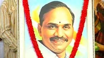 Video : To own or disown YSR: Congress in dilemma