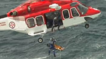 Video : Man rescued after plane crashes into ocean