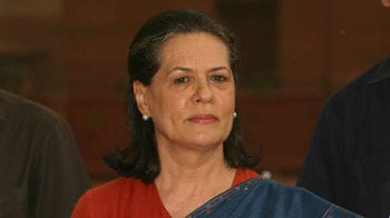 Video : Sonia Gandhi back in Delhi after surgery