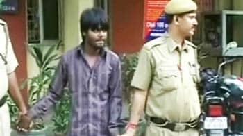 Video : Delhi-Noida road rage: Cab driver runs over cop trying to stop him