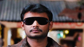 Video : Darshan plans a Tirupati darshan