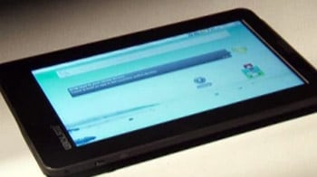 Video : First Look: Aakash tablet