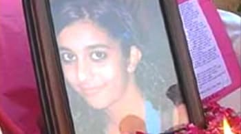 Video : Noida girl found murdered at home
