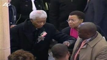 Video : Mandela attends great-granddaughter's funeral