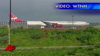 Video : No food, no AC as plane sits on tarmac for hours in USA