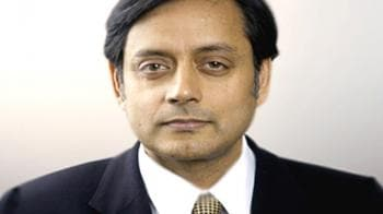 Video : Shashi Tharoor resigns after Congress says enough