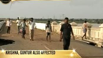 Video : Andhra: 3 districts to be evacuated within 24 hrs