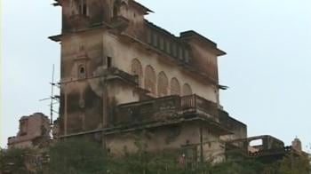 Video : Modi's illegal heritage palace deals?