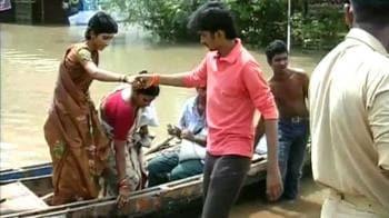 Video : Floods: 200 dead, over 1 million homeless