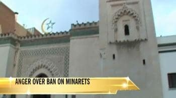 Video : Muslim groups protest against minarets ban