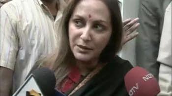 Video : Jaya Prada supports SRK