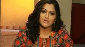 Video : I applaud Shah Rukh for his stand: Khushboo