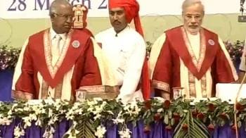 Video : Chief Justice, Modi attend law convocation in Ahmedabad