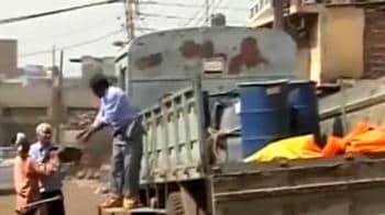 Video : Scientists search, seize radioactive material at Delhi market