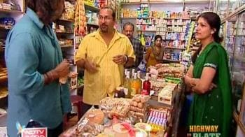 Video : Rocky and Mayur in a food bank
