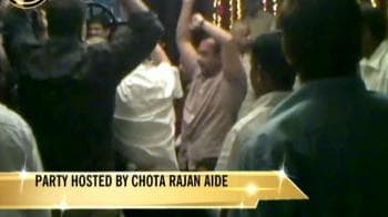 Video : Mumbai cops who 'danced to don's tunes' to be suspended?