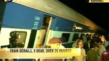 Video : Five dead, 25 injured as train derails near Jaipur