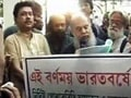 Video : Kolkata: Artists protest western dress code
