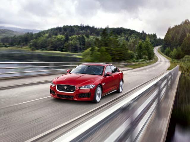 Photo : Jaguar XE Photo Gallery