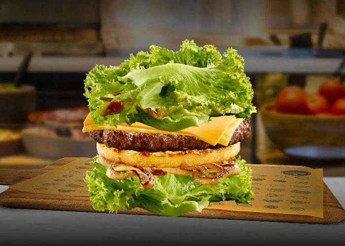 क्या आप इन अजीबोगरीब बर्गर को एक बार ट्राय करना चाहेंगे?