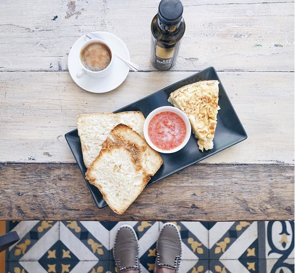 Breakfast from Around the World: Morning Meals from 10 Different Countries