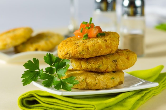 7 Healthy Indian Snacks to Eat While Watching Cricket