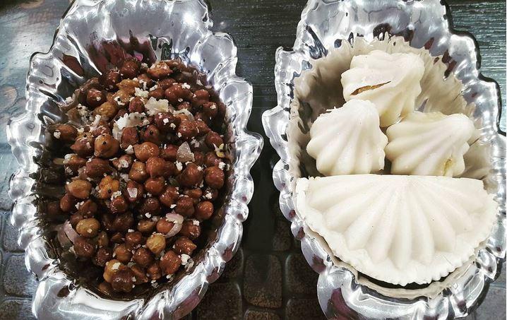 गणेश चतुर्थी स्पेशलः जानिए 'बप्पा' को खुश करने के लिए कौन सी डिश बना रहे हैं लोग