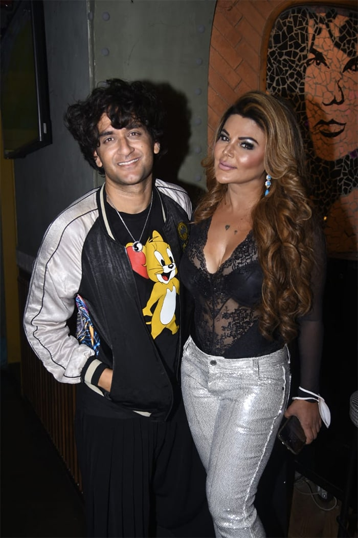 Inside Rakhi Sawant\'s Bigg Boss Party With Vikas Gupta, Nikki Tamboli, Jaan Kumar Sanu And Others