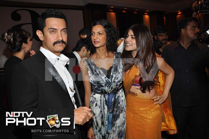 Inside Aamir\'s \'cool\' party