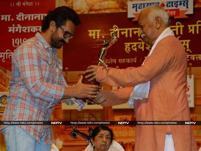 आखिर 16 साल बाद किस अवॉर्ड सेरेमनी में नजर आमिर खान...