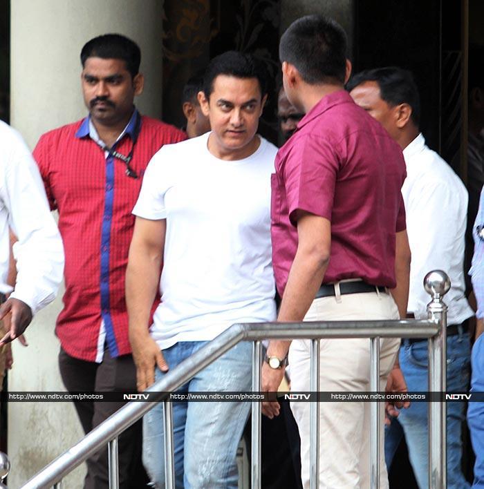 बीमार दिलीप कुमार का हाल जानने हॉस्पिटल पहुंचे आमिर खान
