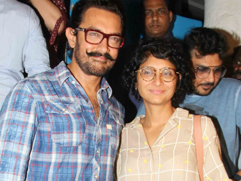 Aamir Khan And Kiran Dine Out With Sanya And Fatima